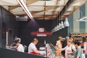 Nowoczesne stoisko mięsne w Emma Market